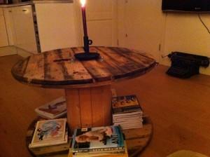 Originele salontafel: houten haspel
