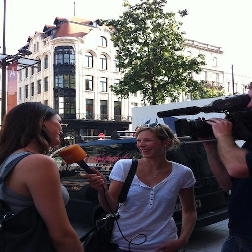 VTM interviewt Evelien bij opening Forever21