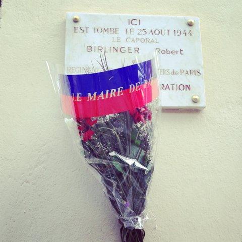 Hoezo zijn de Fransen niet aardig? In ieder geval respectvol naar de doden...