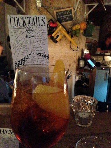 Cocktails bij nieuwe cocktailbar Mary Celeste, van dezelfde eigenaren als Candelaria
