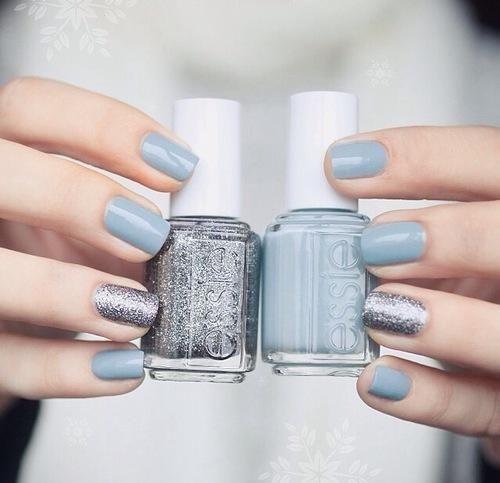 blue-nails-monday